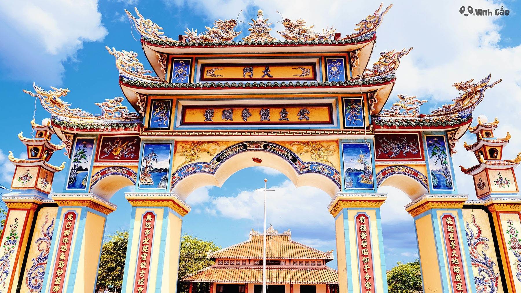 Đảo Phú Quý Có Gì - đền Công chúa Bàn Tranh